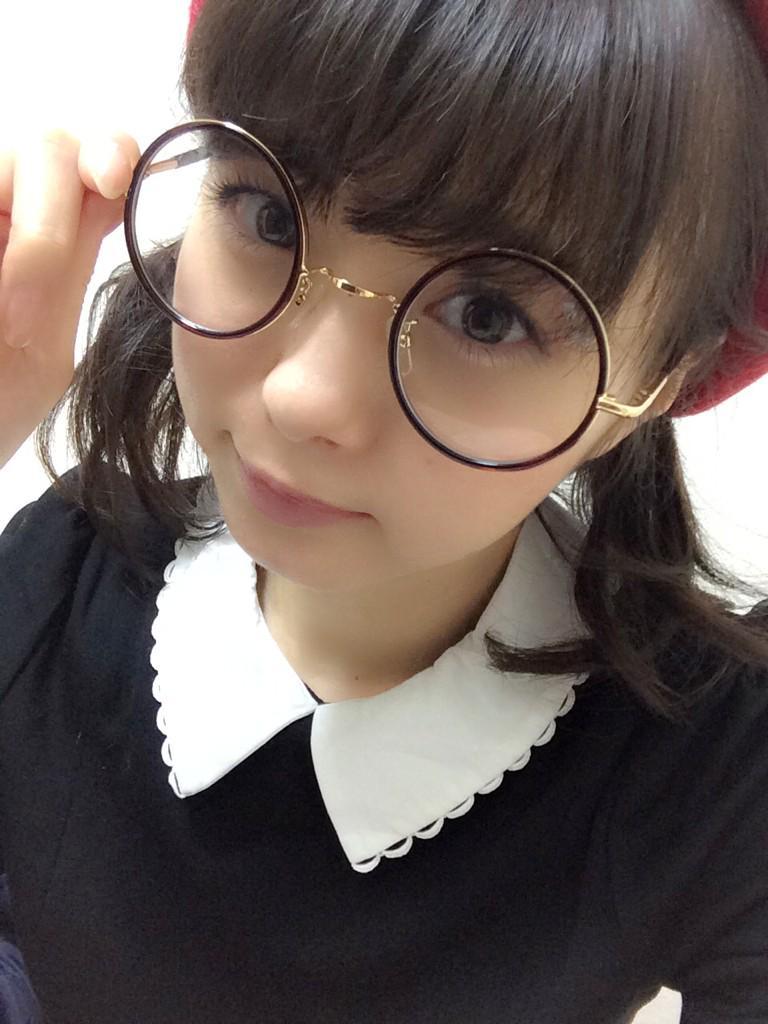 くりくりメガネの市川美織