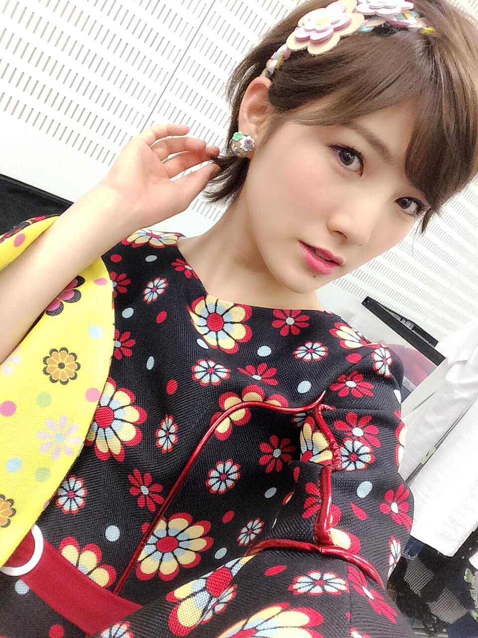 和服衣装の岡田奈々