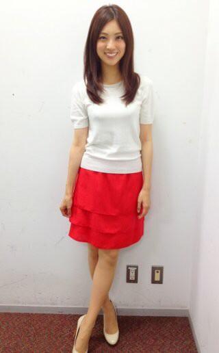 赤いスカートが似合う岩本乃蒼