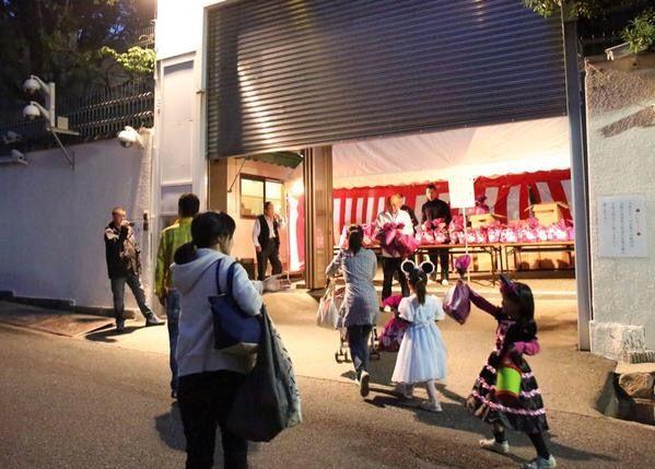 【兵庫】「おらぁ」 神戸山口組の組員が怒声を上げ山口組組長に近づこうとしてトラブルに…JR新神戸駅、一時騒然★2©2ch.net YouTube動画>4本 ->画像>20枚