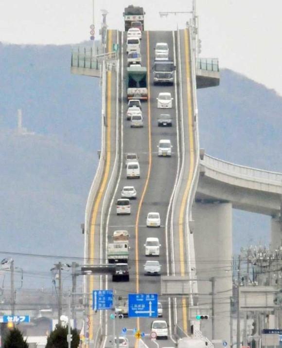 http://livedoor.4.blogimg.jp/karapaia_zaeega/imgs/5/5/55348a63.jpg