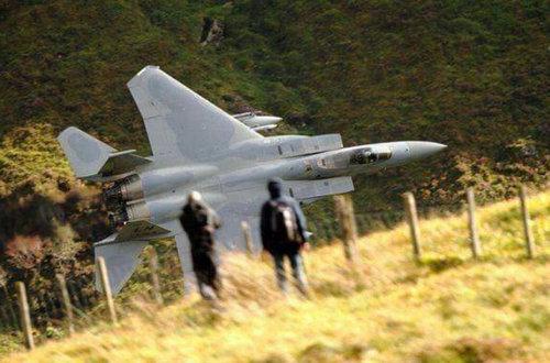 【米軍】F-16戦闘機、日本の山間部を「超低空飛行」 ネット動画、米軍三沢基地が確認 最低高度150メートルより低く飛行 YouTube動画>5本 ->画像>51枚
