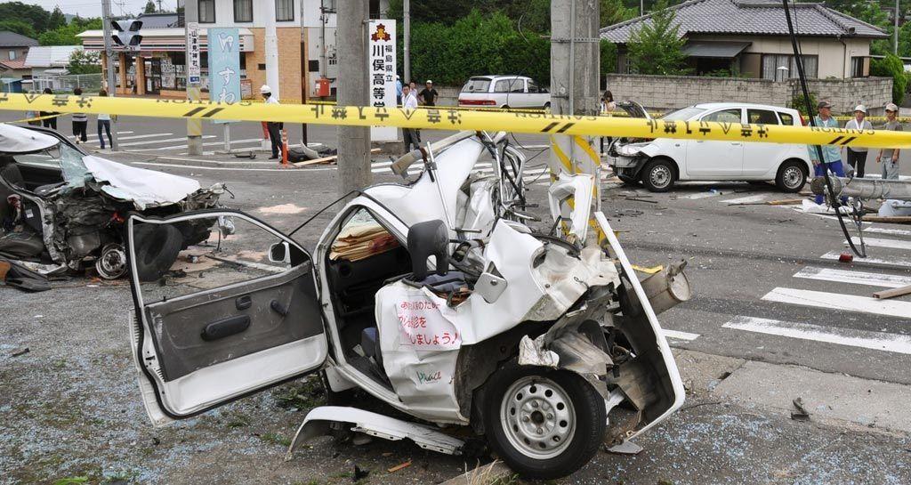 自転車の 自転車の事故 : 閲覧注意】軽自動車の事故が ...